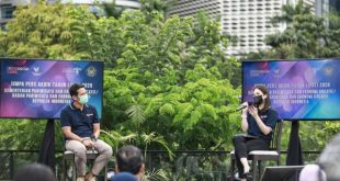 Sandiaga Uno dan Angela Tanoesoedibjo pada saat Jumpa Pers Akhir Tahun 2020 di Jakarta, Selasa (29/12/20)